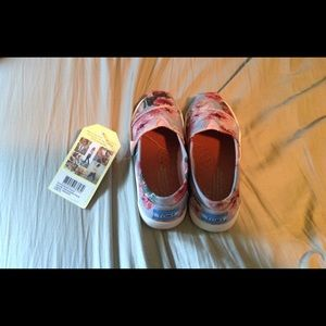 NWT girls floral toms